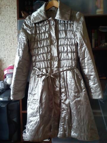 Пальто демисезонное, верх из плащевки,внутри синтепон, А-силуэта,очень...
