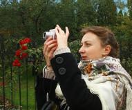 Девушка с фотоаппаратом.