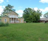 Барский дом и дом ключника в Тарханах.
