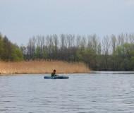 В тростнике густом рыбака...