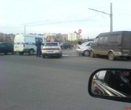 Перекресток без светофора - потенциальная авария..