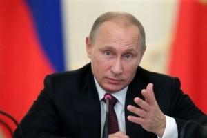 """Путин поручил """"не допустить фокусов"""" с доплатами врачам"""