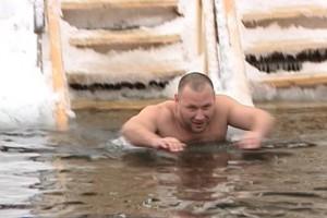 Открытый чемпионат области по зимнему плаванию прошел в Старом Осколе