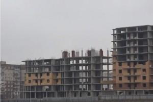 Дольщикам предложили оплатить оставшийся долг за квартиры.