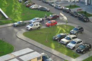 Увеличен штраф за стоянку авто на тротуаре