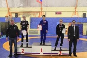 Оскольчанка заняла 1 место на первенстве ЦФО по вольной борьбе