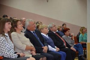 Александр Гнедых вручил сертификаты учащимся муниципальных организаций