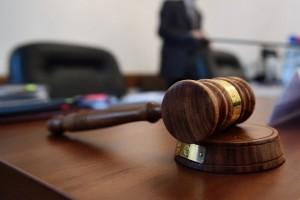 Старооскольским судом осуждены наркобарыга и мошенник