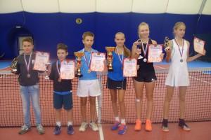 Серебро старооскольских теннисистов