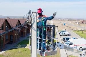 Белгородэнерго переустроило сети электроснабжения нового спортивного парка в поселке Борисовка