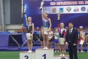 У старооскольцев серебро и бронза первенства России по прыжкам на батуте