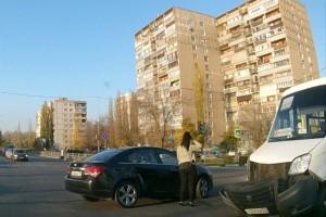 Дорожный инцидент у ТЦ Европа