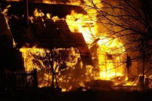 В Старом Осколе полностью сгорела дача