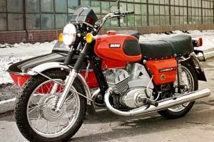Старооскольские оперативники задержали подозреваемых в краже мотоцикла «ИЖ Юпитер-4»