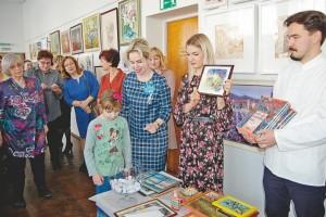 В художественной школе официально открыли весну