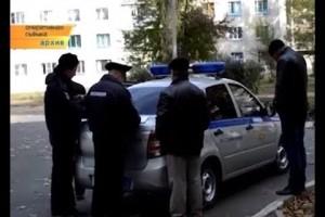 Молодую девушку со свертком наркотиков задержали старооскольские полицейские