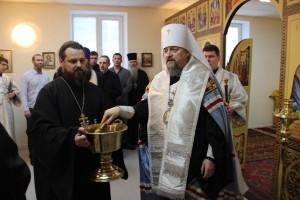 Митрополит Белгородский и Старооскольский Иоанн совершил Божественную литургию