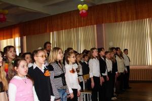 Наших школьников не заставят исполнять гимн ежедневно перед уроками