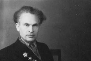 Книги писателя краеведа Николая Белых принадлежат старооскольцам