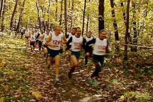 300 любителей бега приняли участие в кроссе имени Симурзина