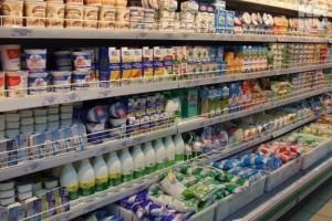 В России с 1 июля меняется порядок продажи молочных продуктов