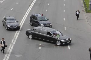 Заявление Патриарха: надо ездить на японских и корейских машинах