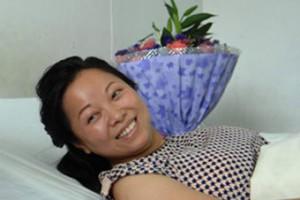 Китаянка поймала упавшего с десятого этажа ребенка
