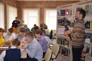 Старооскольскую библиотеку посетила съемочная группа Министерства культуры РФ
