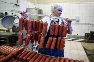 Минздрав поддержал введение налога на колбасные изделия