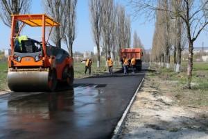 Обновляется пешеходная дорожка к Атаманскому лесу