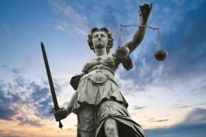 Белгородский экс-чиновник осужден за взятку на 7 лет колонии