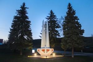 Белгородские энергетики обеспечили освещение стелы погибшим воинам в поселке Борисовка