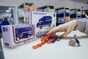 Почта России доставит в Старый Оскол более 200 ручек для Тотального диктанта