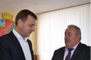 Старооскольцам вручили удостоверения действующих депутатов Белгородской областной Думы