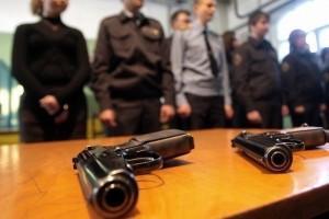 В Старом Осколе раненый полицейский застрелил мужчину с ножом