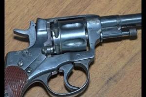 25 февраля — День рождения револьвера