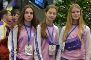 Глава Белгородской области оценил работы юных модельеров
