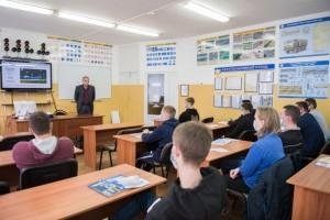 Специалисты Белгородэнерго рассказали курсантам Белгородской автошколы о правилах работы вблизи ЛЭП