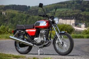 Запрет регистрационных действий с мотоциклом Ява 350 поспособствовал взысканию долгов