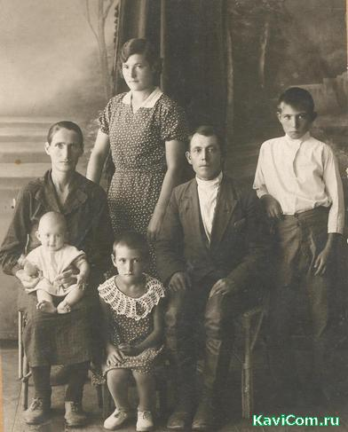 http://www.kavicom.ru/uploads/sub/da6439c2_1semyj_Satilovyh,_1937_god.jpg